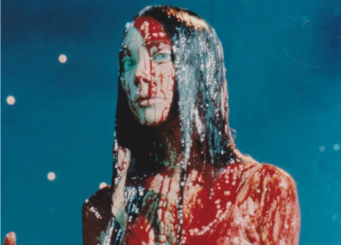sissy-spacek-carrie-blood-2